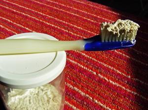 Dentifrice de voyage en poudre