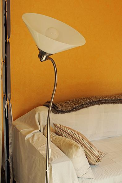 Lampe utilisée pour diffuser de l'huile essentielle